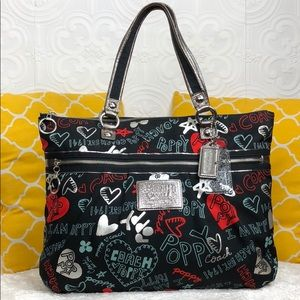 🌸OFFERS?🌸Coach Poppy Hearts Zip Tote